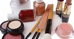 2016线上化妆品消费白皮书 看本土与外资品牌谁更占优
