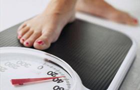 被忽悠!女子花4万减肥却胖10斤,想退钱店却没了