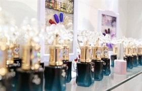 美甲经济成美容行业消费增长点,谁能把握住下一个风口?
