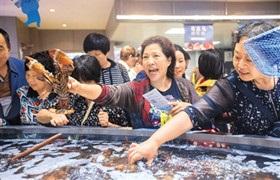"""2018,生鲜电商迎来""""巨头之战"""""""