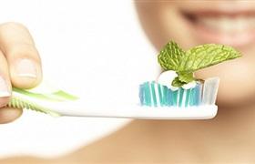 中医药企业纷纷跨界做牙膏