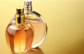 网售大牌化妆品是假货 300的香水成本仅1元