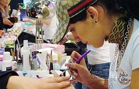 美甲店从业者患癌风险极高 空气中有毒成分超标成问题