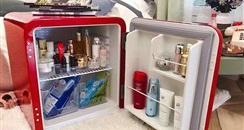 """""""化妆品冰箱""""成新网红 化妆品真的需要冷藏吗"""