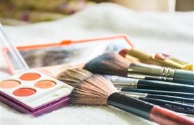 化妆品零售回暖 8月零售额同比增长12.8%