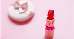 """每年花3万在脸上的""""败家爷们"""",撑起一个新的美妆市场"""