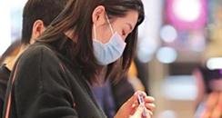 武汉商圈重启首日,化妆品、手机、平板电脑成俏销货