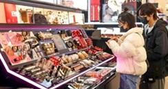 多种原料告急,化妆品会大涨价吗?