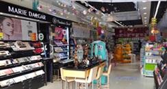 被封城的吉林市:美妆连锁店客流下滑95%