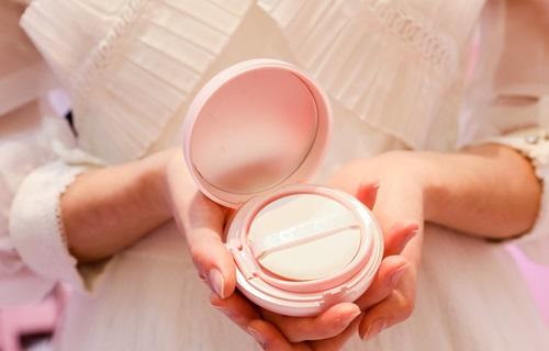 化妆品行业报告:国货迎来高光时刻