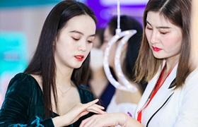 2020年1-10月全国化妆品零售额超2500亿元