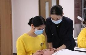 首位落户上海的美容师:赶上了好时代