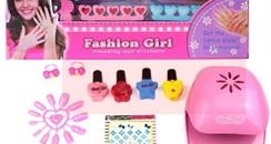 """儿童化妆品为何""""藏""""在玩具盒里卖?"""