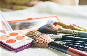 韩国化妆品店去年倒闭率高达28.8%,路边化妆品店转变销售渠道自救