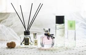 国产香水后起直追?香水品类里能诞生一个完美日记吗?