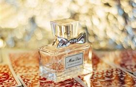 字节跳动都要入局,百亿香水市场将迎来一场革命?